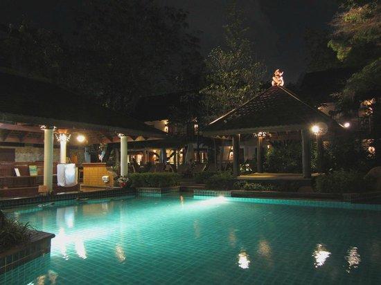 Woodlands Hotel & Resort: Ночь