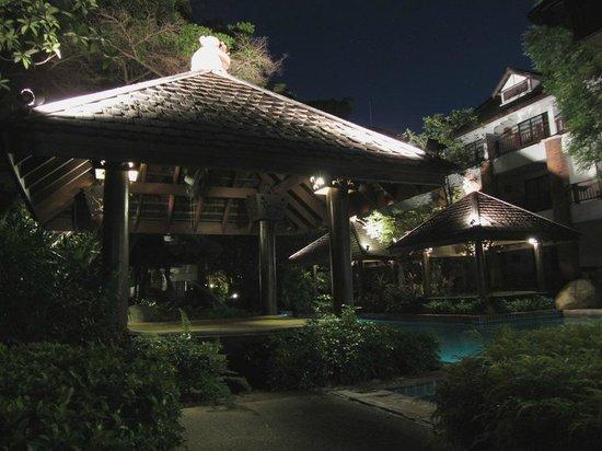 Woodlands Hotel & Resort: Вечер. Тишина и покой.