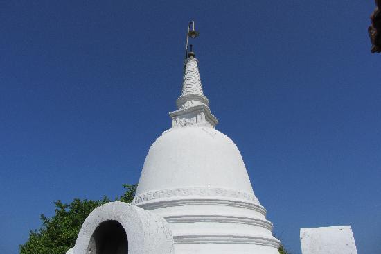 Azure Beach Villa: Ahangama Kanda Temple
