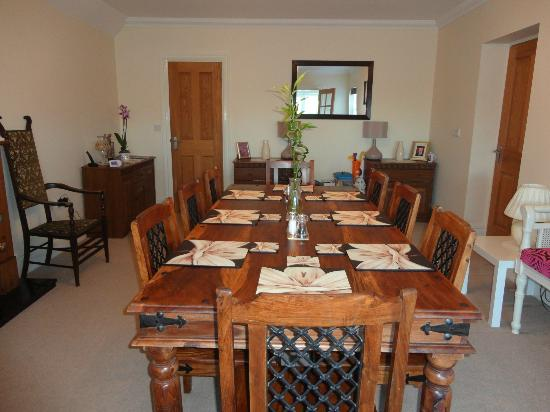 Tudor Rose Bed and Breakfast: DINING ROOM