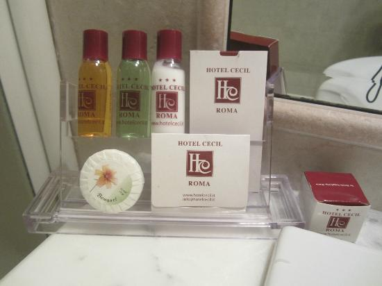 Hotel Cecil: miniature toiletries