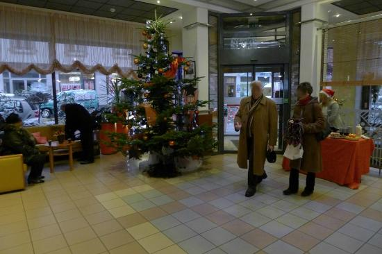 Mercure Strasbourg Centre: Lobby at Christmas time