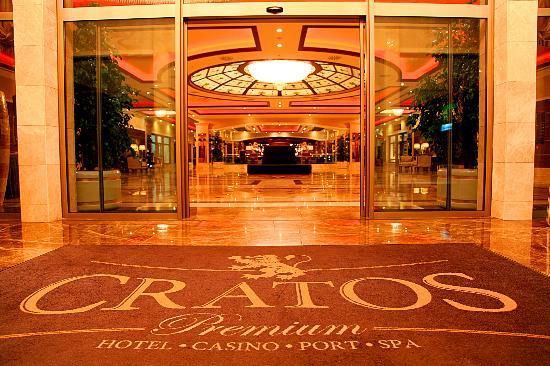 Cratos Premium Hotel, Casino, Port & Spa: Entrance
