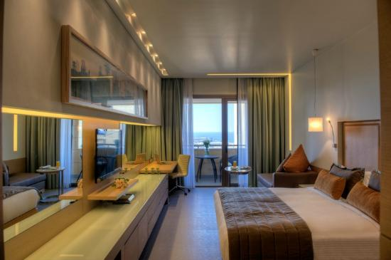 Saifi Suites: Deluxe and Superior Rooms