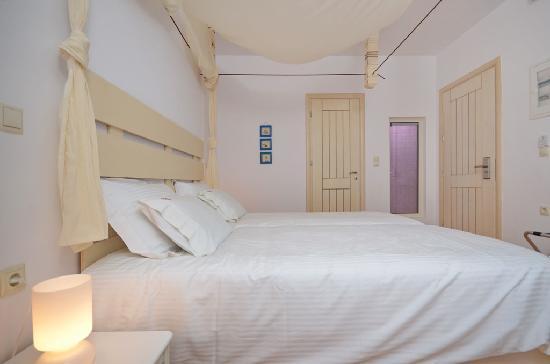Saint Vlassis Hotel: standard double room