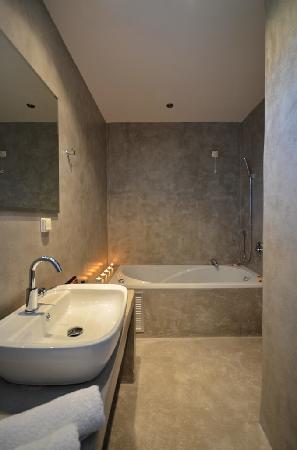 Saint Vlassis Hotel: suite room