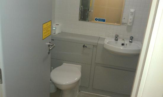 Kents Hill Park Training and Conference Centre: Toilet and basin