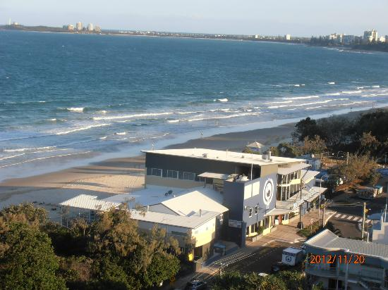 Chateau Royale Beach Resort: View Southbound toward Mooloolaba