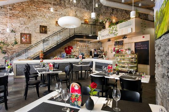 Russian Dining Room U Natashi: Russian Dining Room withing Tallinn's historic walls