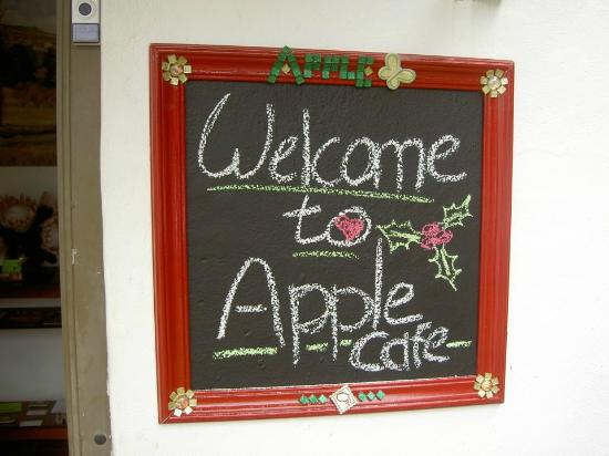 Apple Cafe: Little Welcome note :)