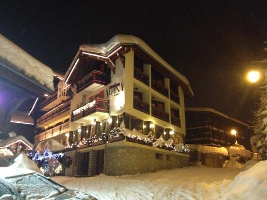 Chalet-Hotel Alpina: extérieur