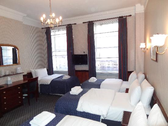 Regency House Hotel: Family room