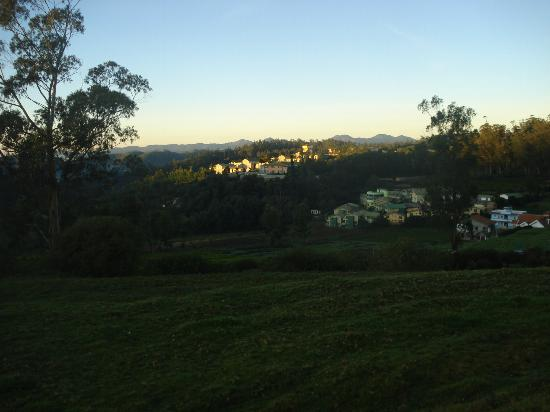Hotel Lakeview: Sunrise on the Valley