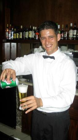 Royalton Cayo Santa Maria: Lobby Bartender