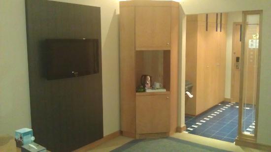 The Juffair Grand Hotel : Room