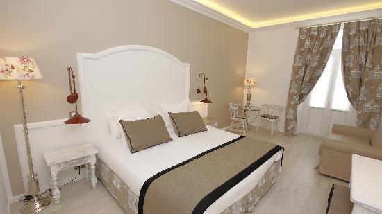 "Hotel Royal Bon Repos : chambre ""confort"""
