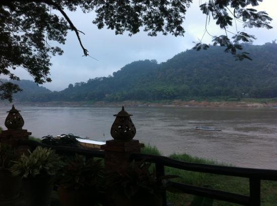 Alounsavath Guesthouse: Blick vom Restaurant auf den Mekong...