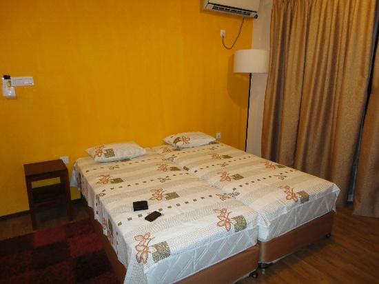 Villa 49: Clean, comfortable, air-conditioned room