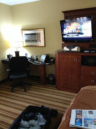 Kansas City, KS: room work area