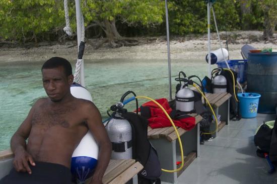 Kri Eco Resort: Our dive master at Fam