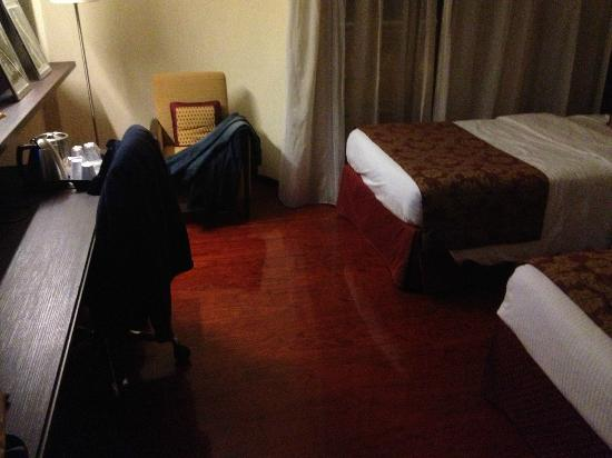 Courtyard by Marriott Rome Central Park: Another of the room