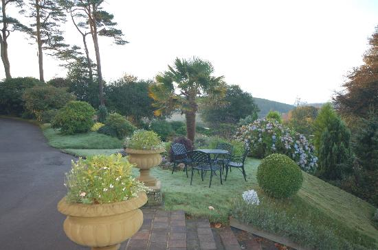 Horn of Plenty Restaurant: Garden View