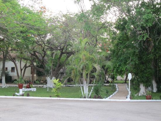 The Lodge at Uxmal: Jardines