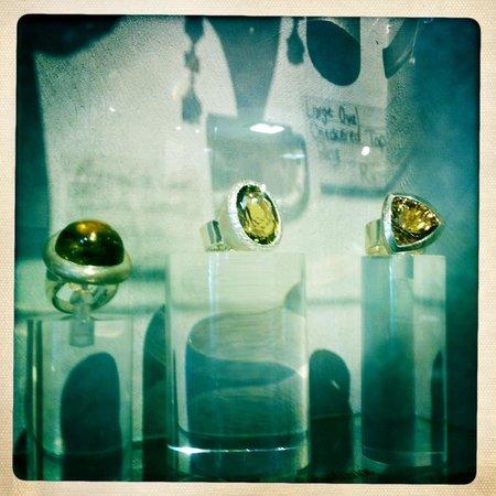 Anpa Jewellers: display