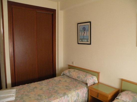 Gemelos 12: Dormitorio / Bedroom