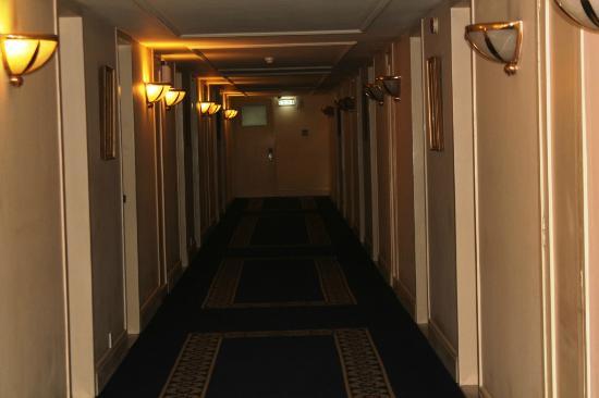 Sheba Hotel: Corridor