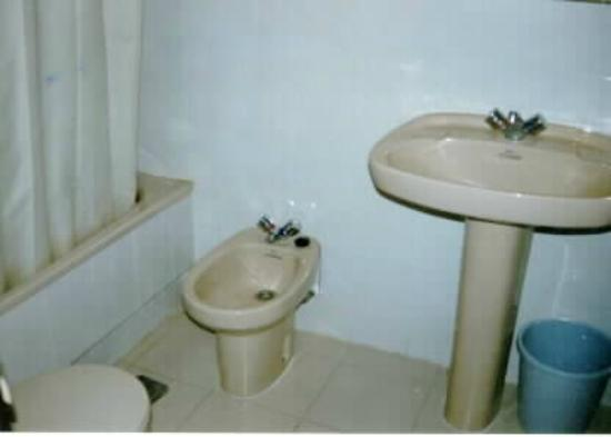 Gemelos 12: Baño / Bathroom