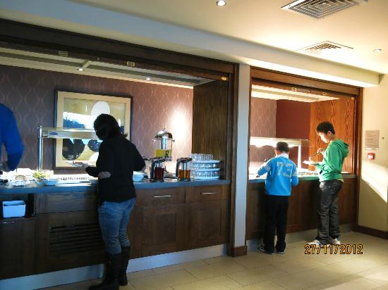 Premier Inn Edinburgh Park (The Gyle) Hotel: Breakfast buffer