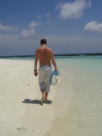 Baros Maldives: Walking on Paradise sand..