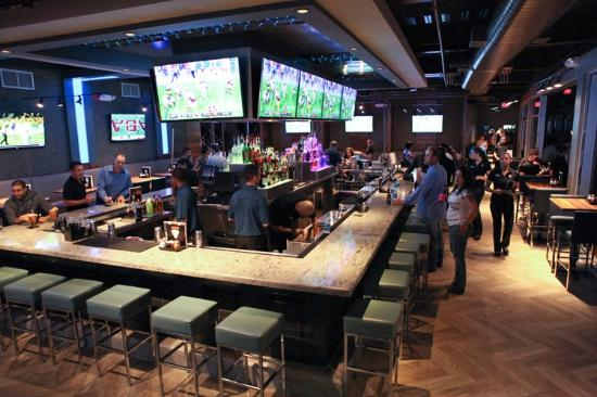 Topgolf Houston - Katy: TopGolf Bar and Restaurant