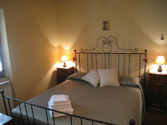 Casa Ambra: Camera matrimoniale - APT. Croce del Travaglio