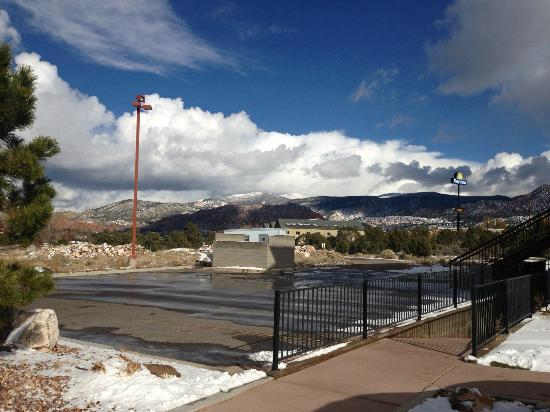 Comfort Inn & Suites Cedar City: After first snow fall in Cedar City