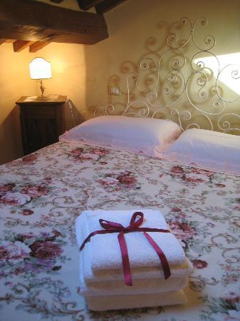 Casa Ambra: Camera matrimoniale -  APT. Via Benedetti