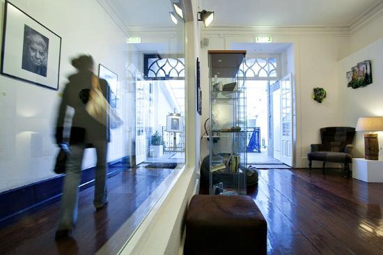 Gallery Hostel: Hallway