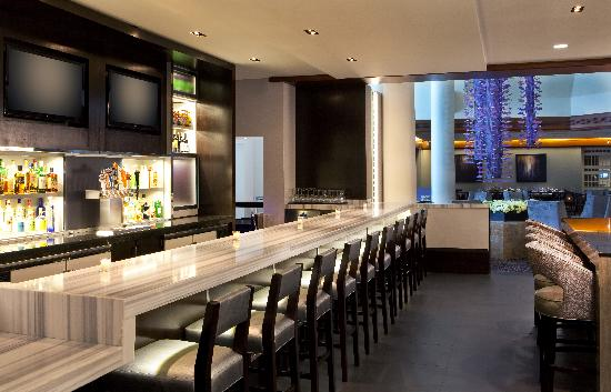 Hyatt Regency Boston: Avenue One Bar and Lounge