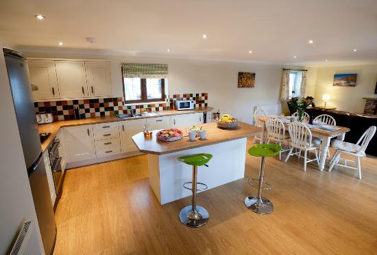 Westward Living: Kitchen in Sadlers cottage