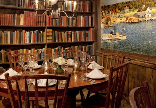 Griswold Inn: Cozy Dining Nook in the Historic 'Essex Room'