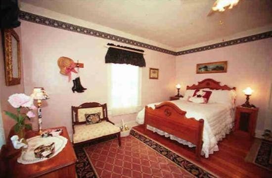 Inn on Main Street B&B: Monroe Room