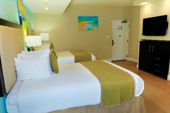 Silver Palms Inn: Classic Double Queen Room