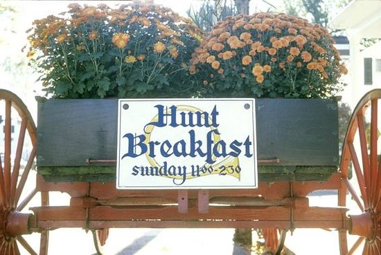 "Griswold Inn: Wagon ""Advertising"" the famous Sunday Brunch!"