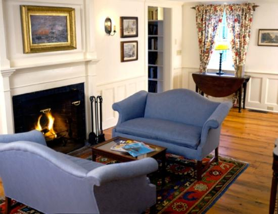 Griswold Inn: A Cozy Retreat in the Inn's Common Room