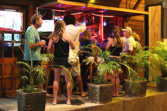 Hotel Bocas del Toro: Happy Hour at our Bar