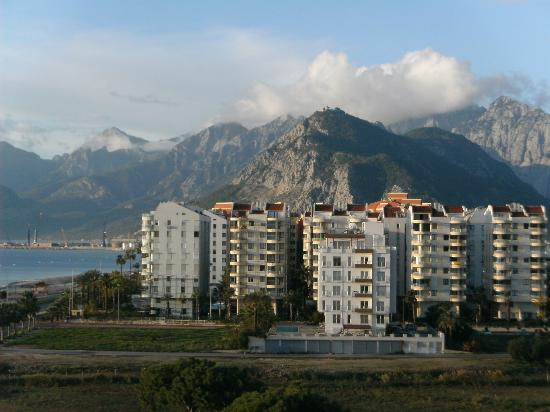 Crowne Plaza Hotel Antalya: View from room with balcony.