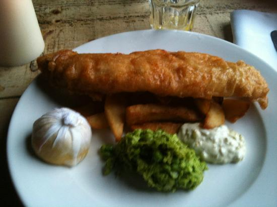 Purefoy Arms: Fish and chips