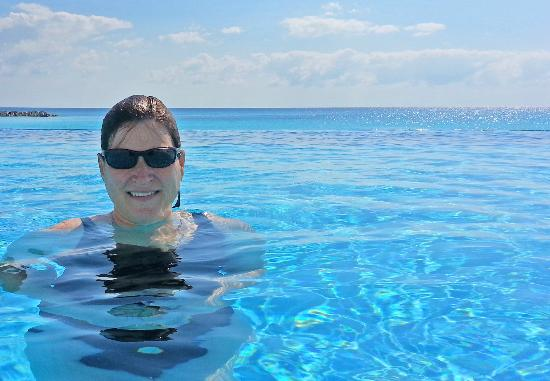 Krystal Cancun: The infinity pool