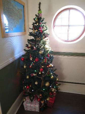 Harriet House B&B: love its xmas decoration, simple but lovely.